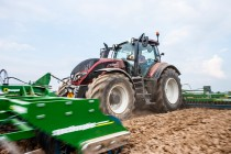 Valtra Updates T Series for New Year