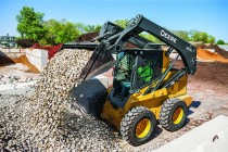 John Deere Introduces Large-Frame Skid Steer Loaders and Compact Track Loaders